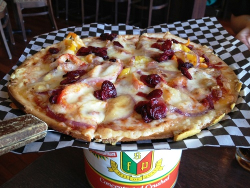 renegade ranchero pizza Spicy Spolumbo's sausage, banana pepper, red onion, cranberries, mozza