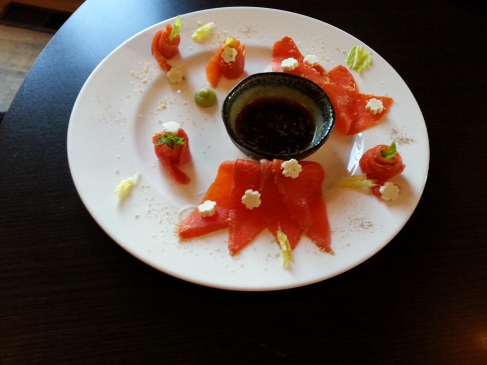 Salmon Sashi