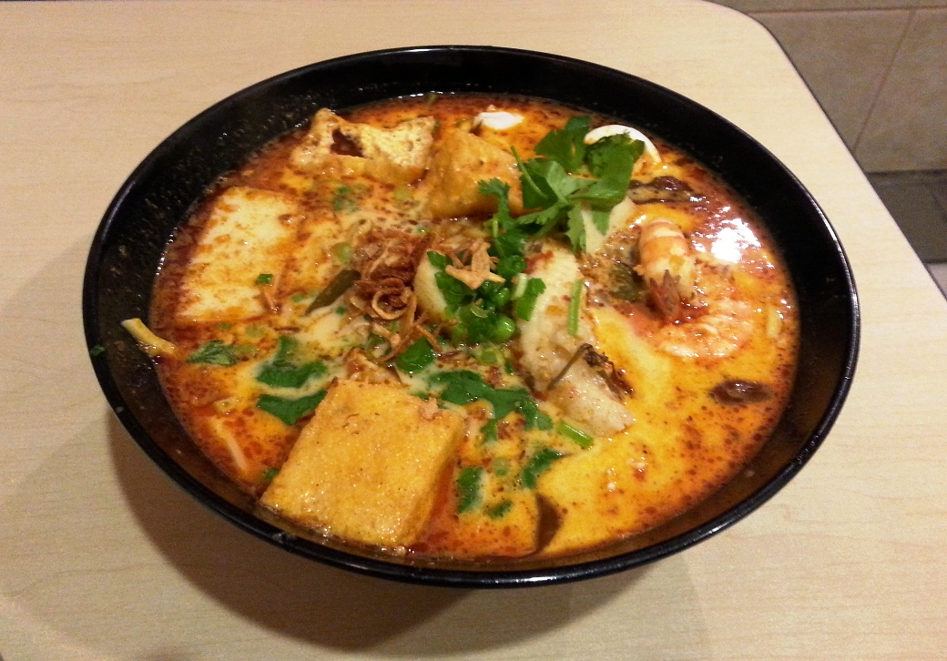 Seafood laksa with yellow noodles
