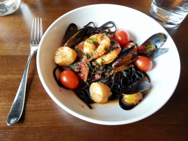 NERO LINGUINI scallops, prawns, mussels, tomato, onion, garlic, basil, tomato sauce