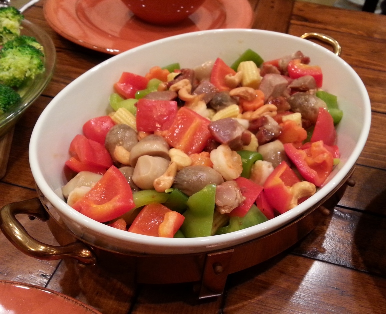 Chicken and cashews with assorted vegetables